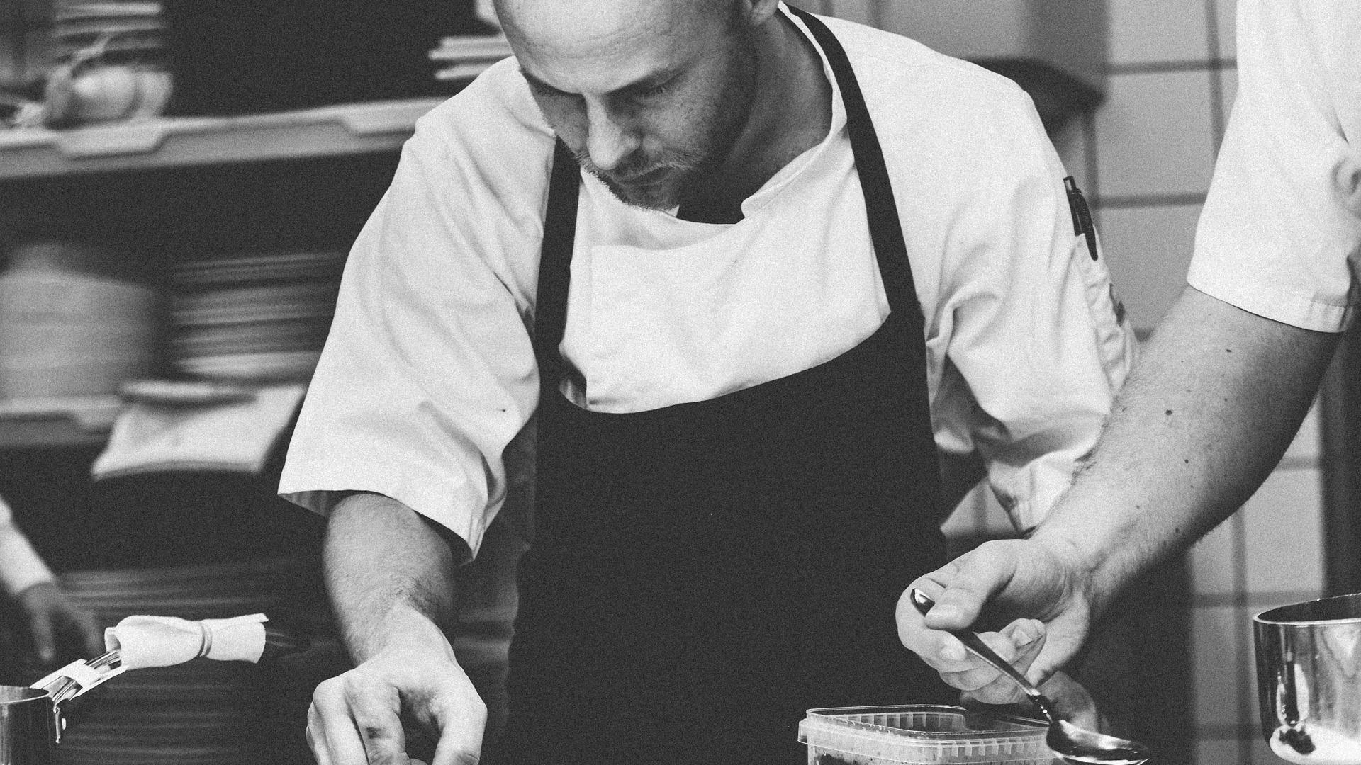 chef-Küchenchef - 1245676_1920 Cropped